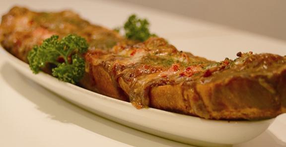 ジャンボチーズカレーバケットピザ