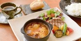 自家製カレーハムと野菜のグリルチーズ焼きカレー